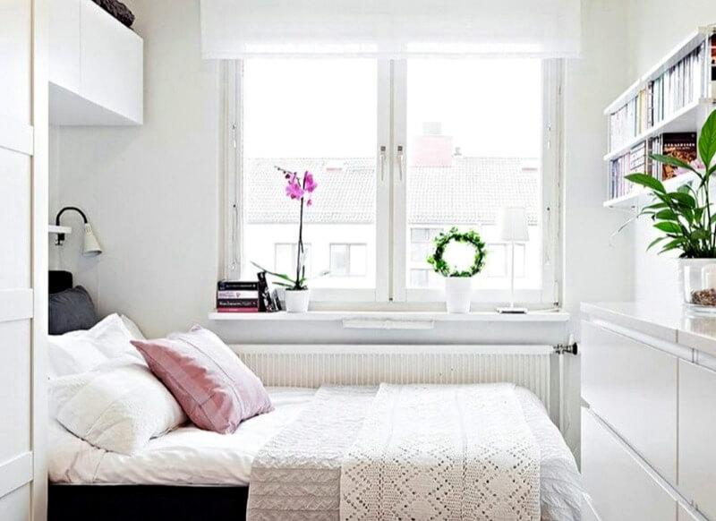 оздоблення стін в маленькій спальні