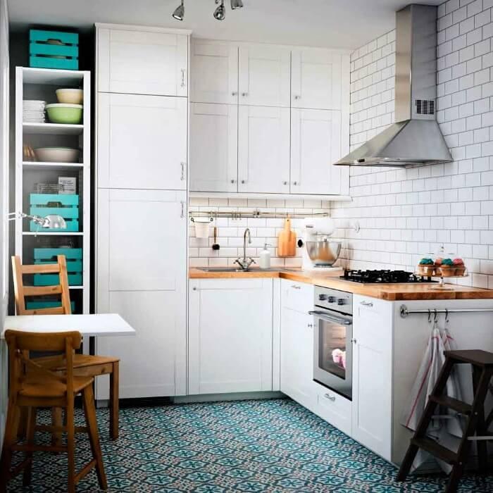 белая кухня маленькая