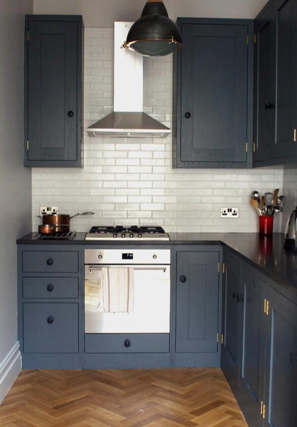 кухня 6 кв. метров черного цвета