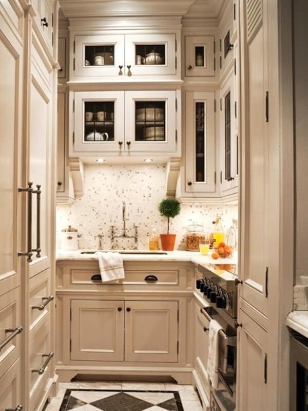 кухня маленькая в классическом стиле