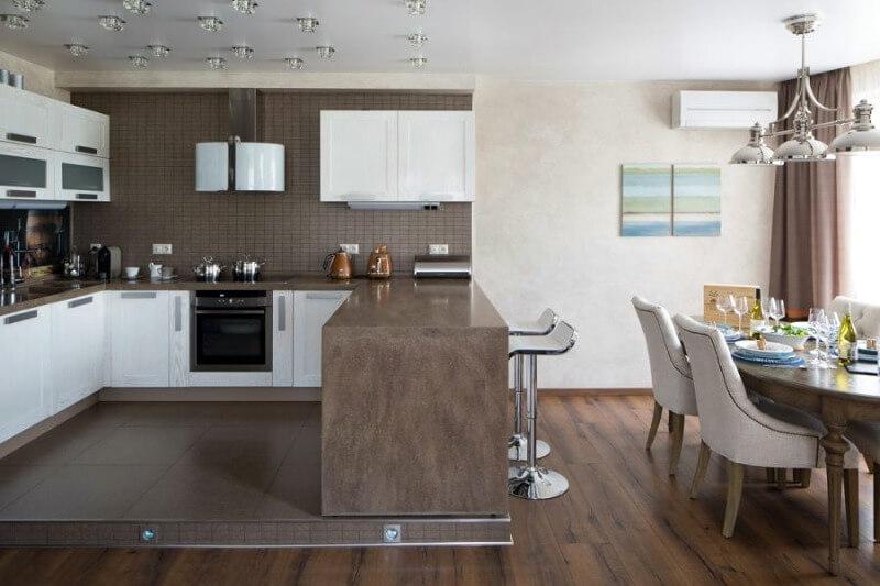 кухня студия на подиуме зонирование