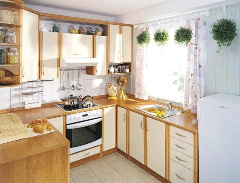 квадратная кухня 6 м2
