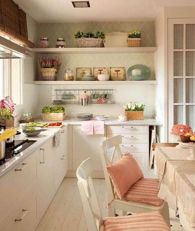маленька кухня в стилі прованс
