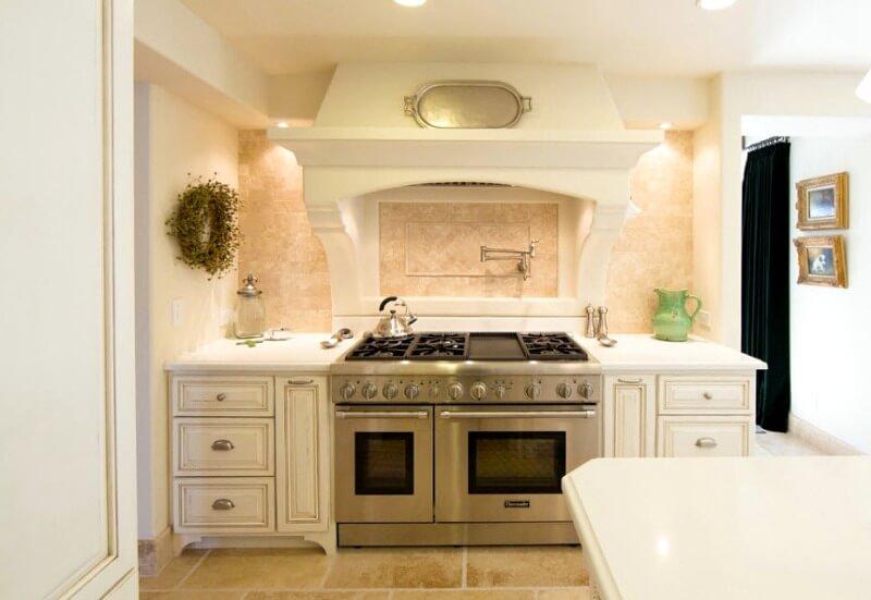 стеля на кухні в стилі прованс