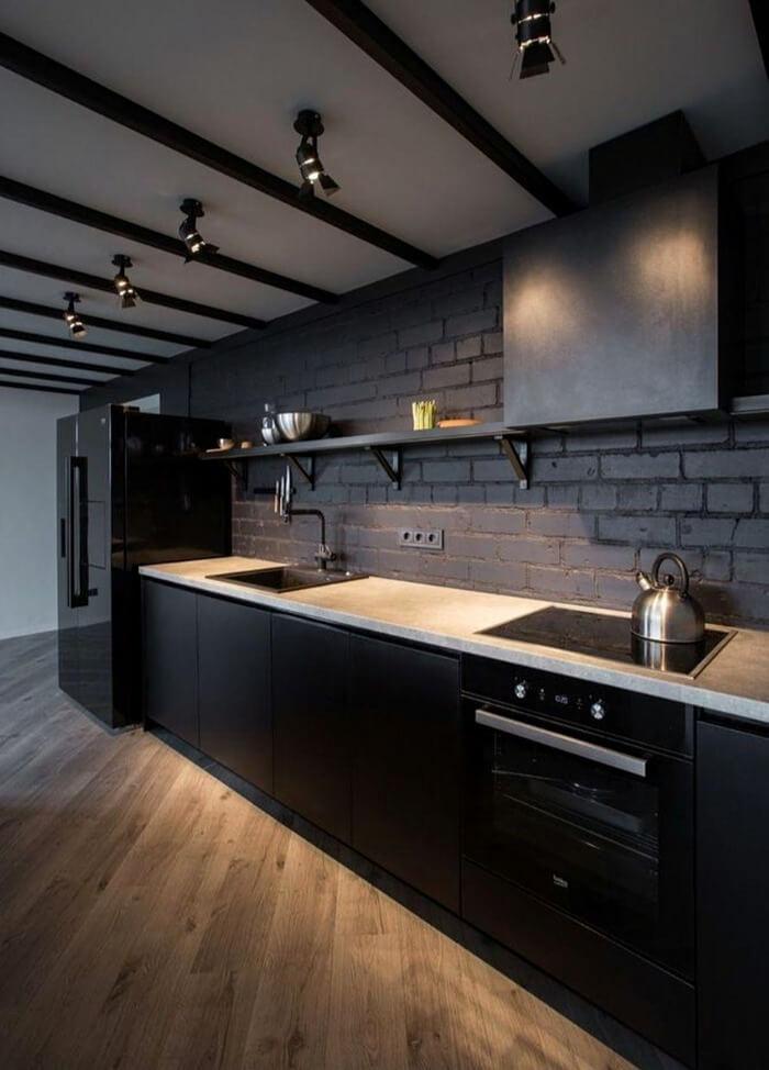 кухня лофт чорна