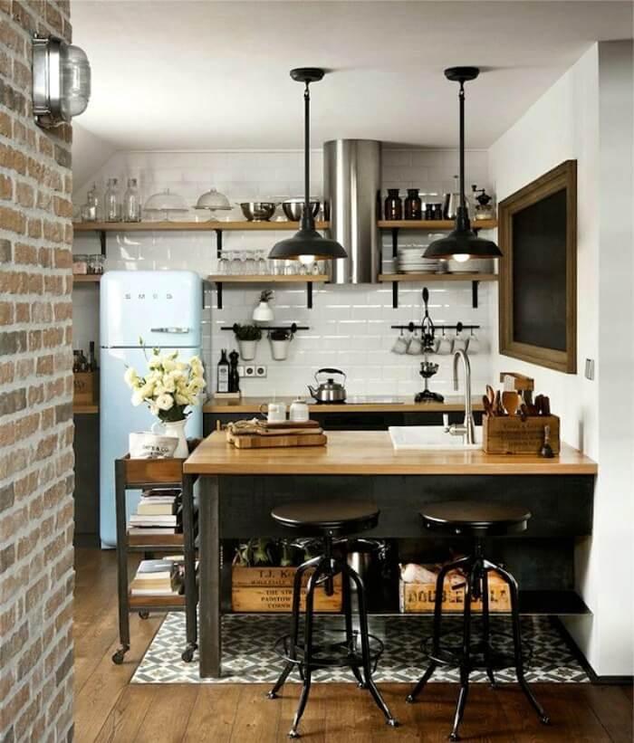 світла обробка на маленькій кухні лофт