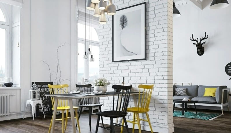 желтые стулья в белой комнате лофт