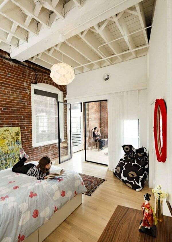 потолок в спальне в стиле лофт
