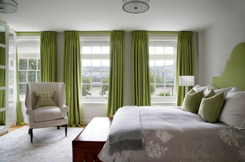 зеленый цвет штор в спальне