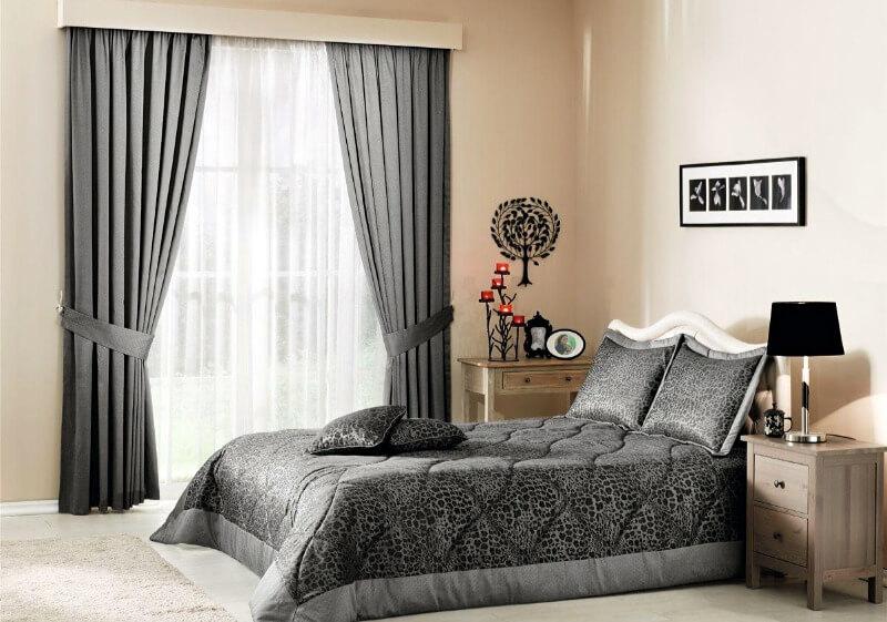 шторы в спальню серые