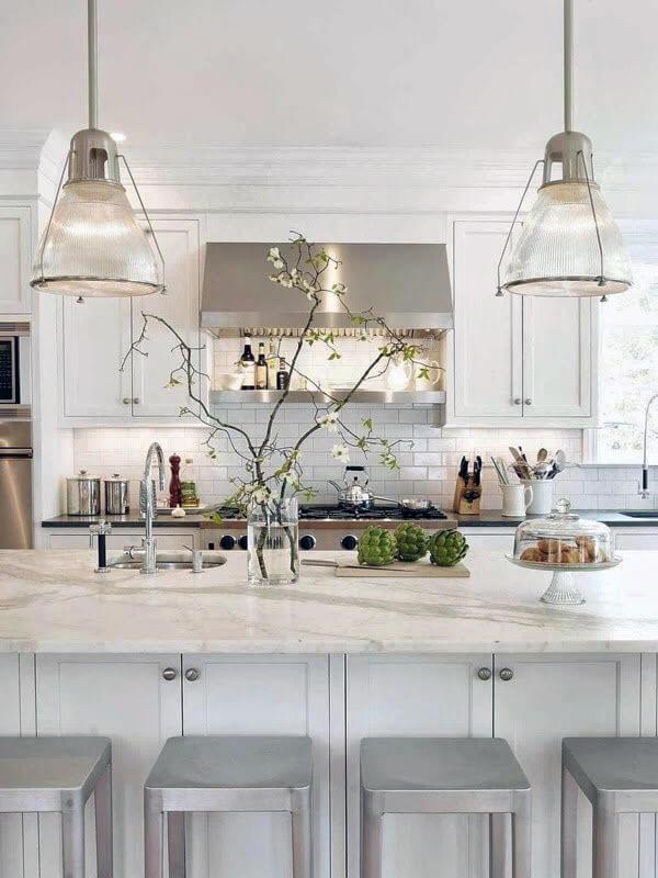 белый монохром в кухне