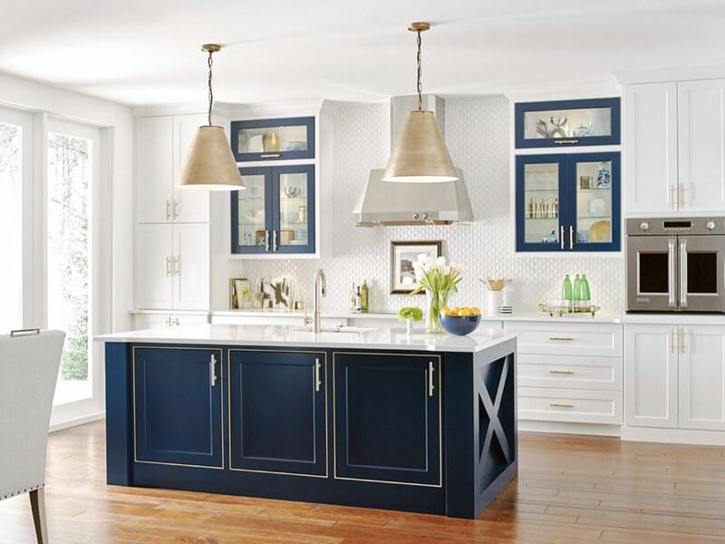 интерьер кухни с синими оттенками