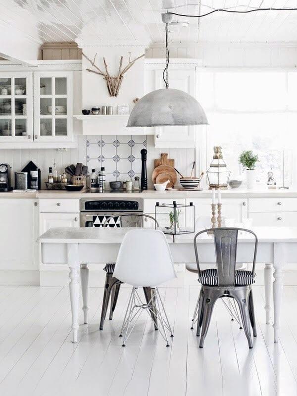 монохромный дизайн кухни