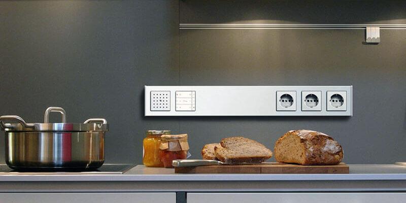разместить розетки на кухне