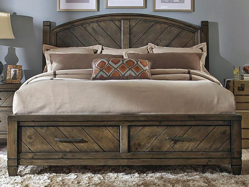 деревянная кровать в стиле кантри