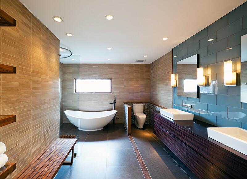 настенные светильники в ванную