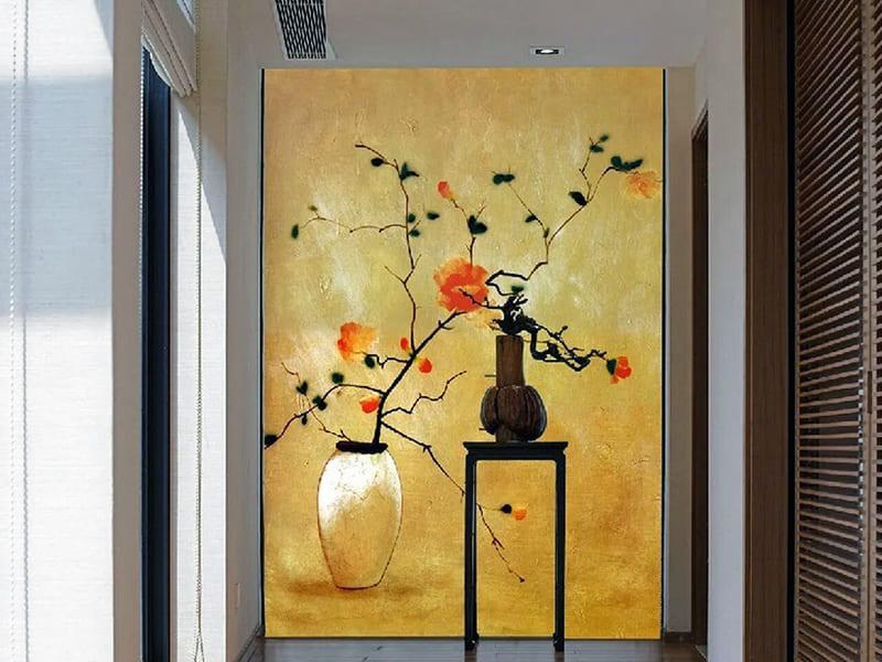 Большая картина на дальней стене коридора