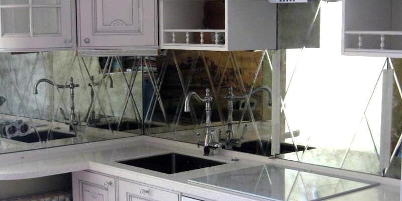 Фартук для кухни из зеркала
