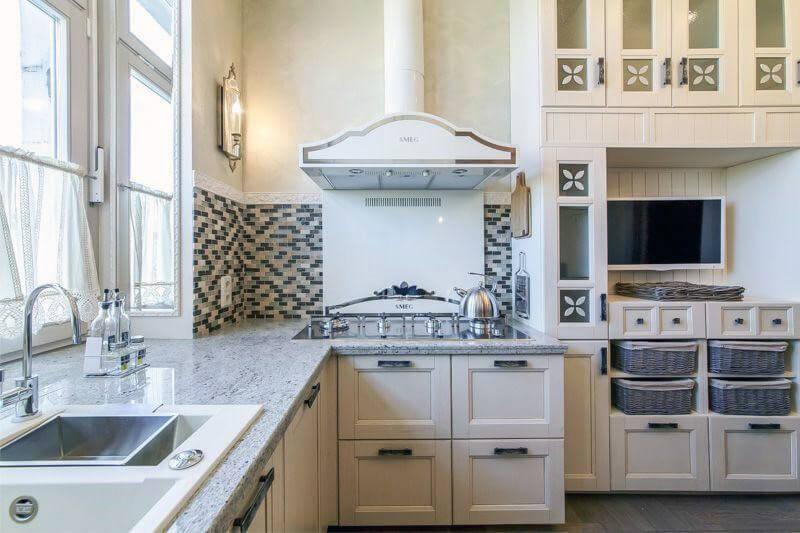 Фартух-мозаїка на кухню