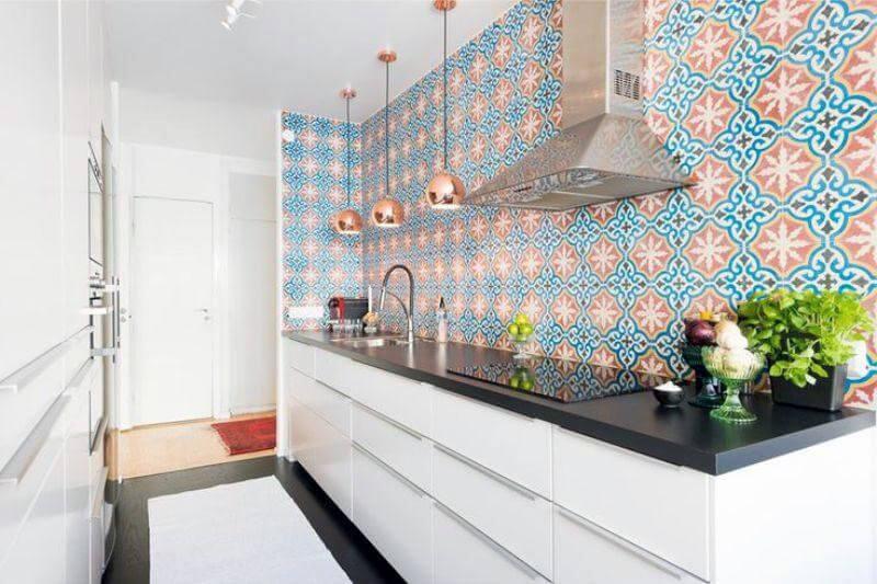 Фартук на кухне до потолка