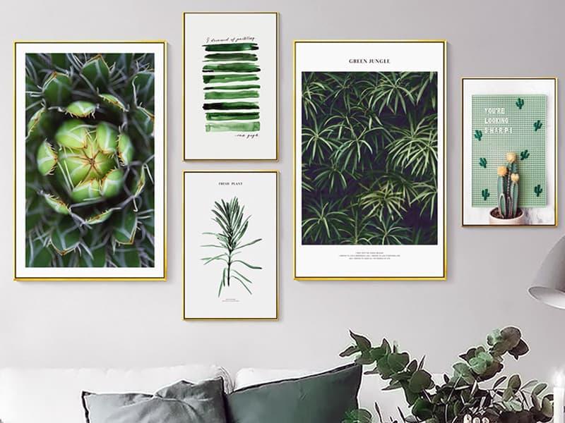 Использование картин в зеленых тонах для оформления дизайна комнаты