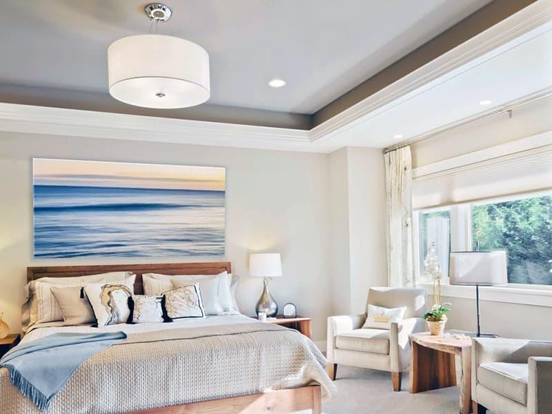 Картина на акцентной стене в спальне