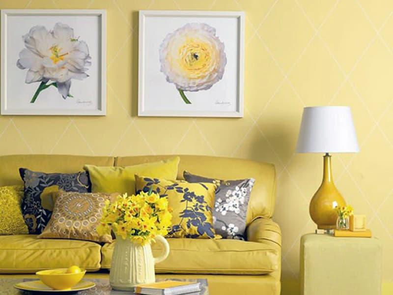 Картины для комнаты с теплыми оттенками