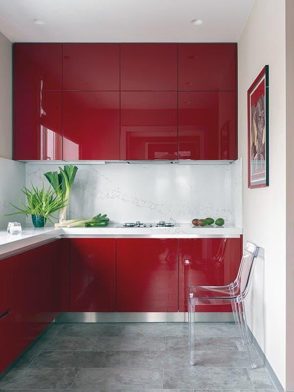 Кухня в ярких красных оттенках
