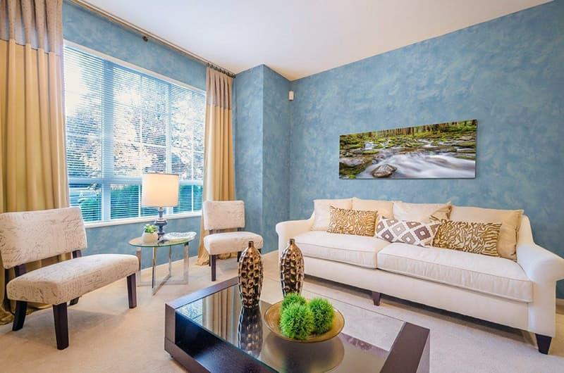 Покраска стен в гостинной