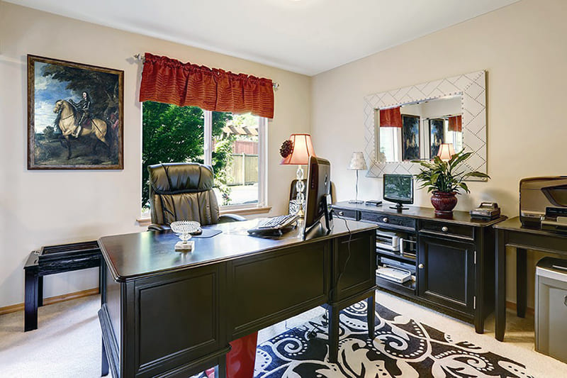 Пример картины для комнаты в классическом стиле