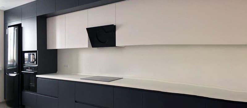 Пример многоуровневой мебели на кухне