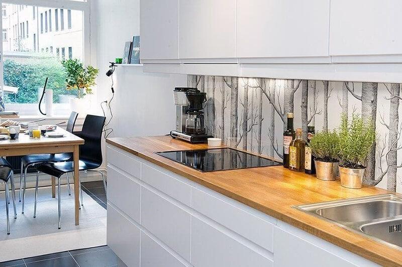 Пример рабочего фартука на кухне