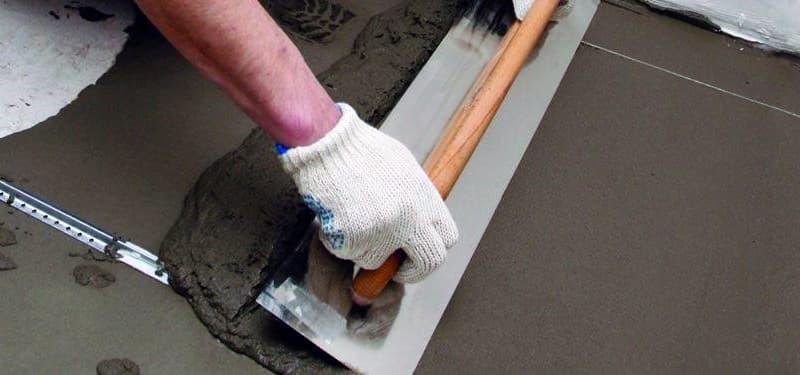 Процес вирівнювання підлоги