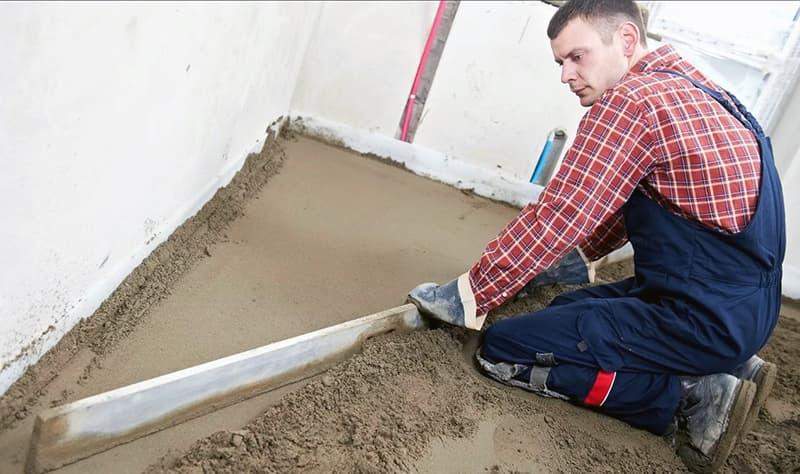 Процес вирівнювання підлоги під ламінат