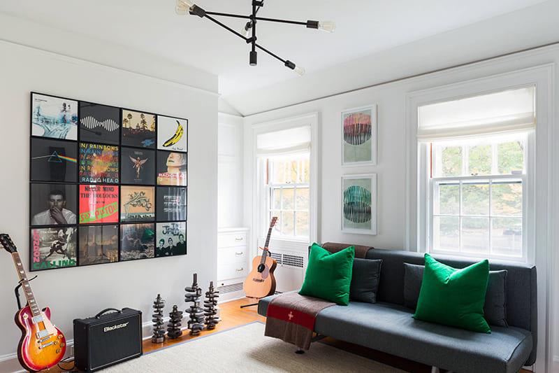 Современные картины в дизайне комнаты