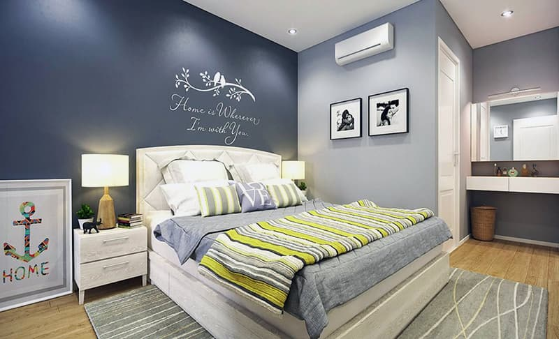 Яркая акцентная стена в спальне