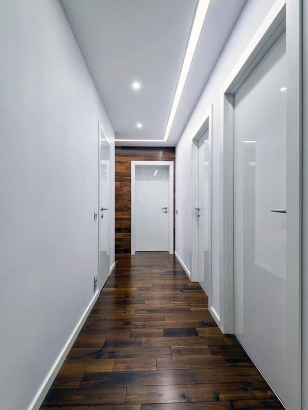 Дерев'яна підлога в мінімалістичному інтер'єрі