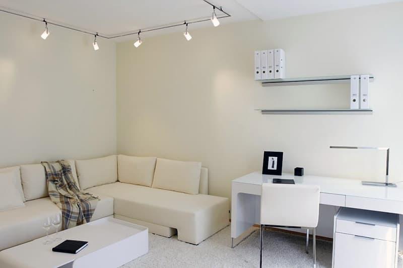Пример освещения в комнате с минимализмом