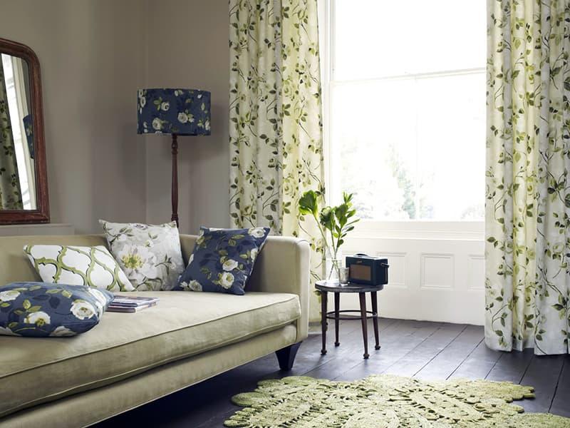 Украшение комнаты квартиры текстилем
