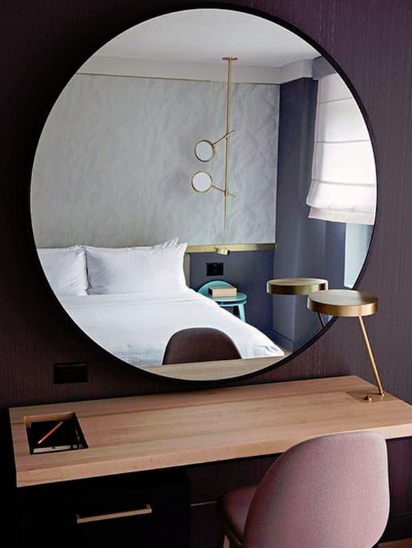 Зеркало как элемент декора комнаты