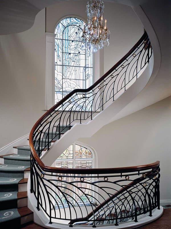 Ар-деко лестница в интерьере