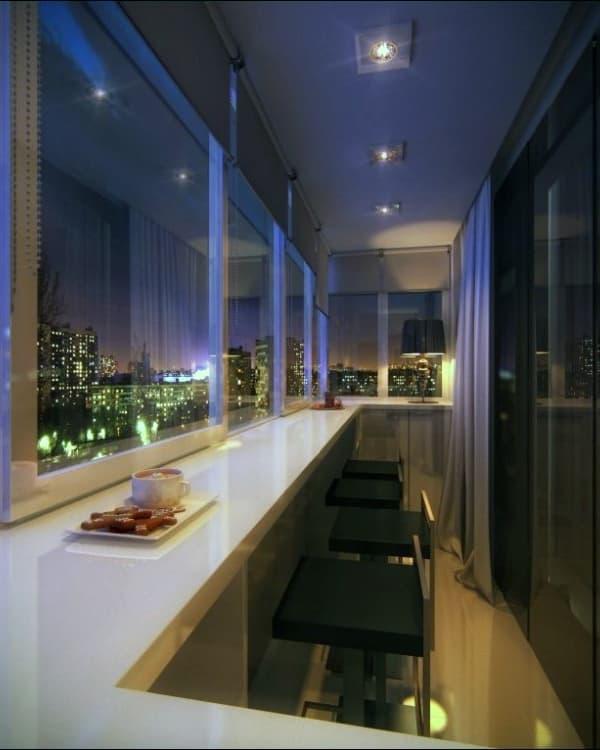 Использование потолочных светильников на балконе