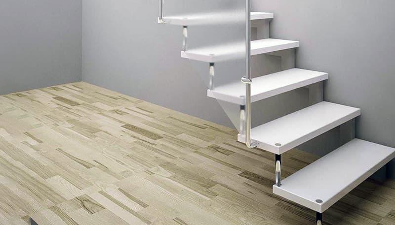 Лестница с больцами в дизайне интерьера