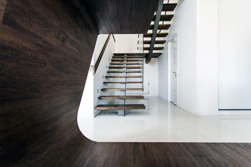 Лестница в форме буквы П в дизайне интерьера