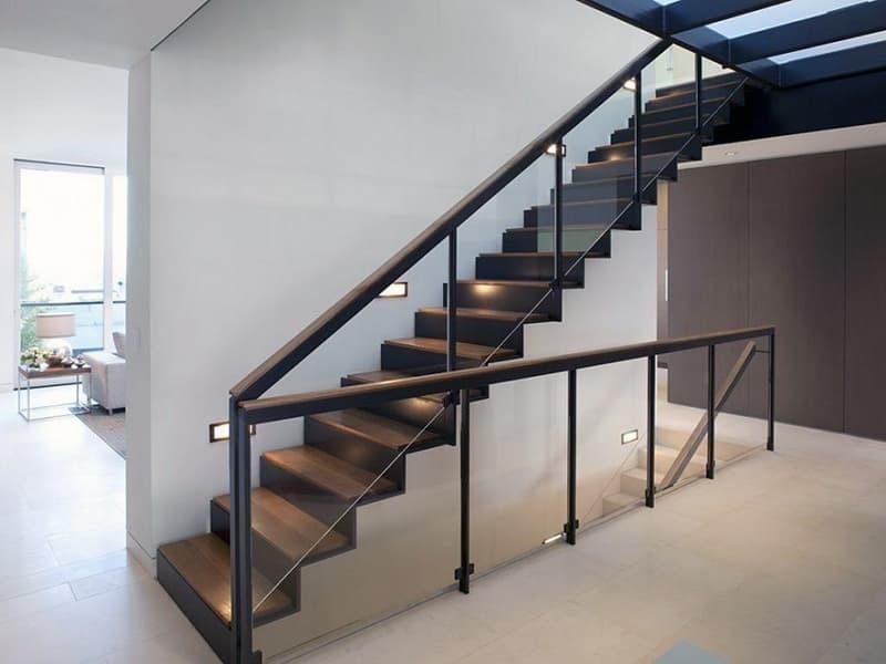 Лестница в стиле модерн в дизайне интерьера