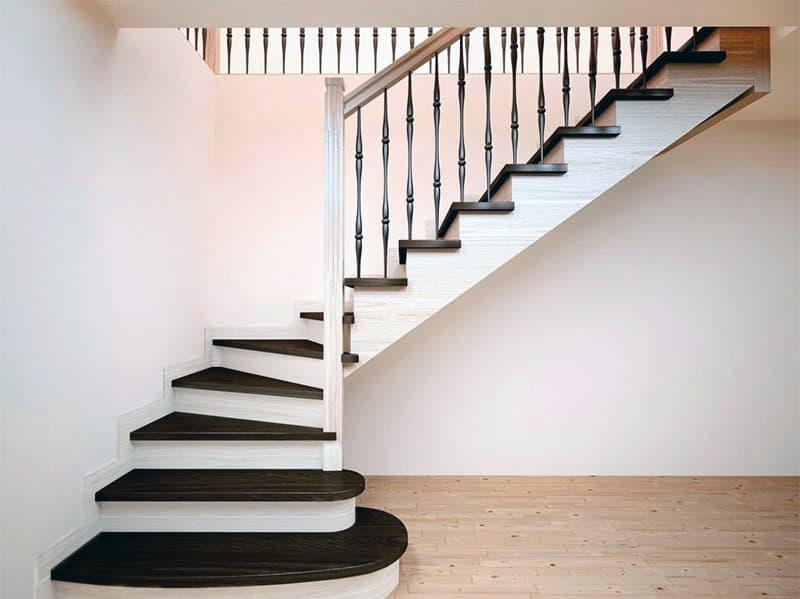 Одномаршевая поворотная лестница
