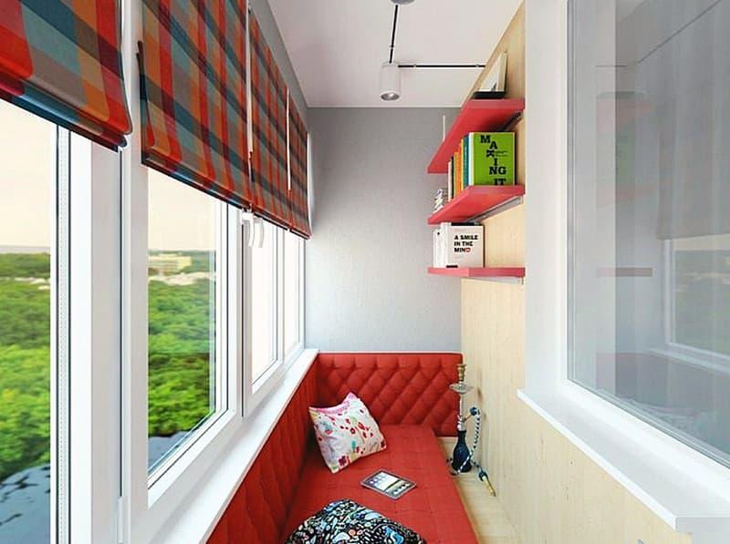 Размещение дивана для сна на балконе
