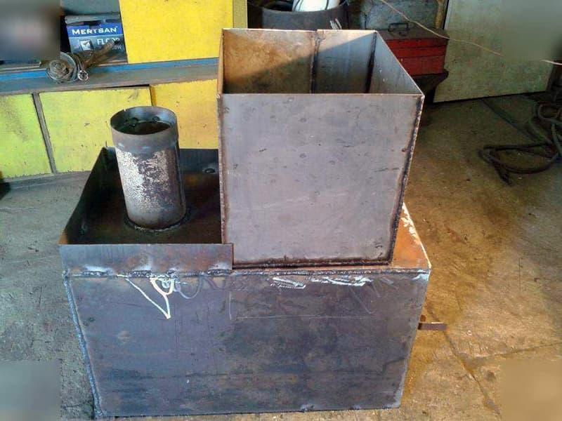 Саморобна піч з листів металу для лазні