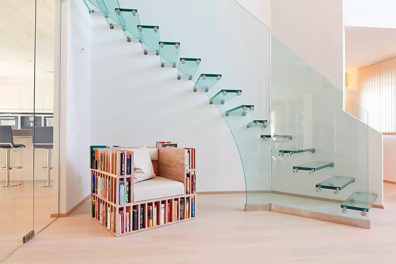 Скляні сходи в інтер'єрі