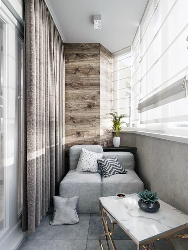 Зона для отдыха на балконе